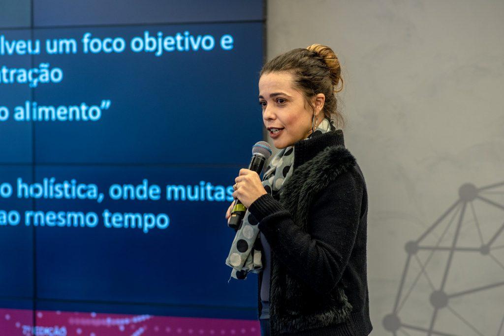 CEO da We Plan Before Patrícia Teixeira participando do painel - O Sexto Sentido na Continuidade de Negócios